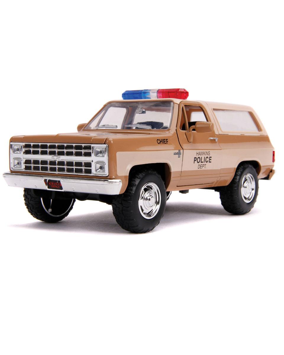 Diecast Model Stranger Things 1/24 - Chief Hopper's 1980 Chevy K5 Blazer with Badge
